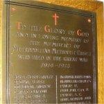 Plaque commémoratif – Plaque commémorative de la Première Guerre mondiale située au Metropolitan United Church, 56, rue Queen Est, à Toronto en Ontario. Le bâtiment actuel a été inauguré en 1872 sous le nom de Metropolitan Wesleyan Methodist Church.