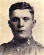 Photo de John Richard Aaron – Cet hommage rendu à John Richard Aaron figure dans l'édition spéciale de 1919 de « Our Heroes in the Great War » préparée par J. H. De Wolfe, Patriotic Publishing Co., Ottawa.