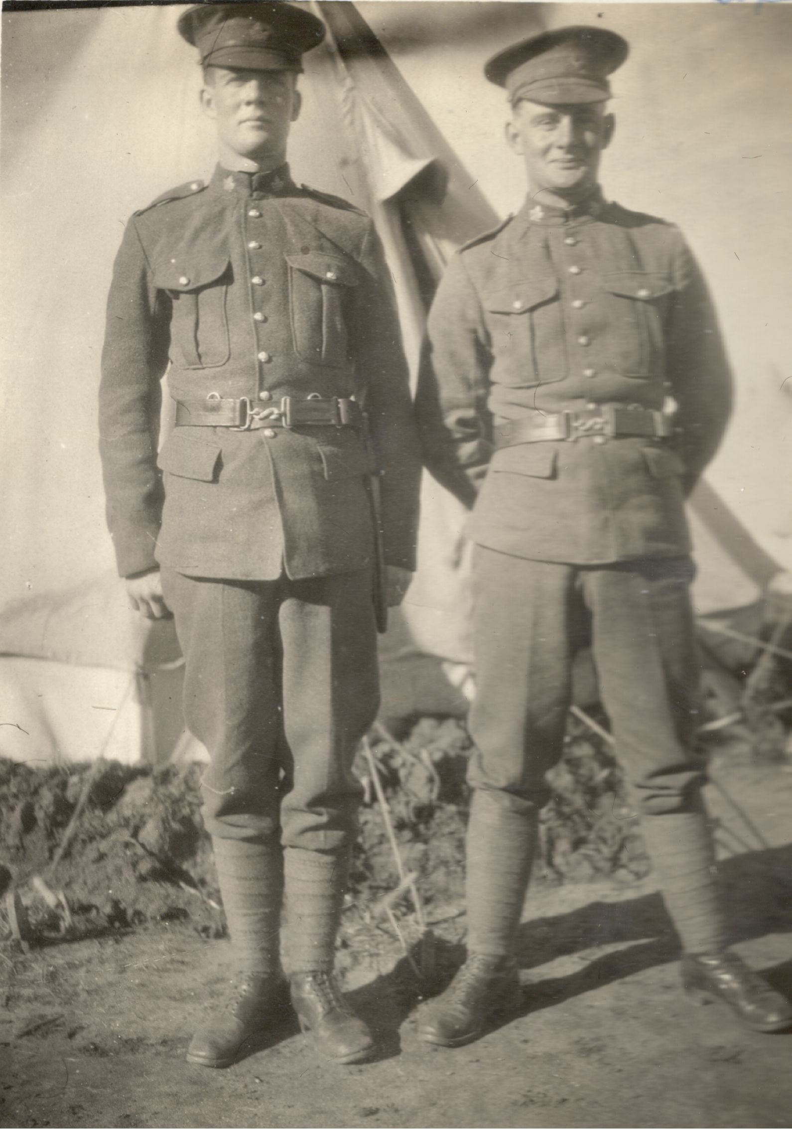 Brothers– William John Andrew 441233 and Oswald Adam Andrew 441232 in 1916.