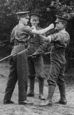 Photo of Fred Binns– Fred Binns on left in training at Niagara camp 1915