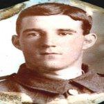 Photo de Robert James Breckell – Photo de lui en uniforme.  Photo rouvée dans un médaillon appartenant à sa soeur Florence.