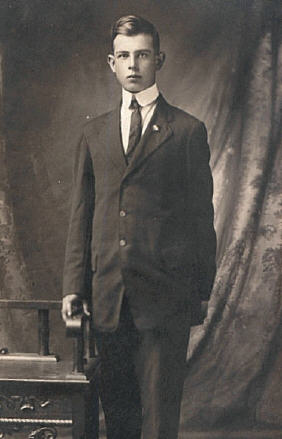Photo of Norman Earl Farough - 1915