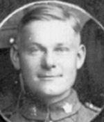 Photo de Albert Leonard Lofquist – Photo prise en Angleterre en 1918.Il s'était engagé le 12/2/1918.Il a été tué le 2/9/1919 vers 9 h du matin près de Drocourt-Quéant lors d'une attaque,tué instantanément par le tir d'une mitrailleuse ennemie.