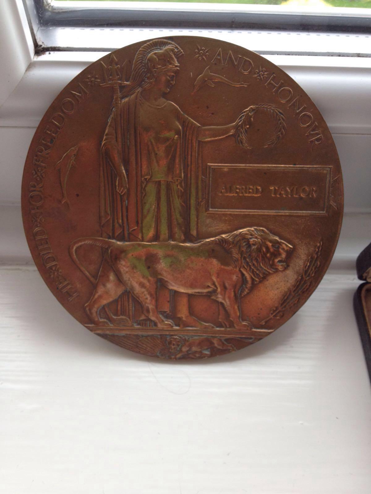 Madallion– Memorial plaque