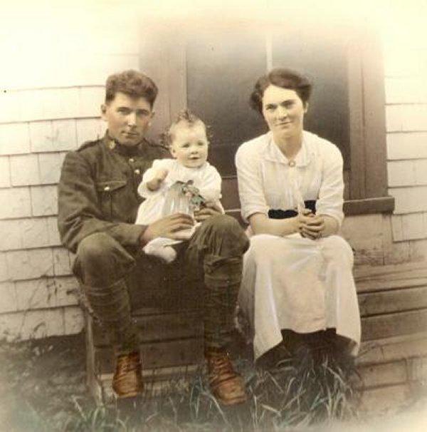 Phot of William Robert Lockard and his daughter