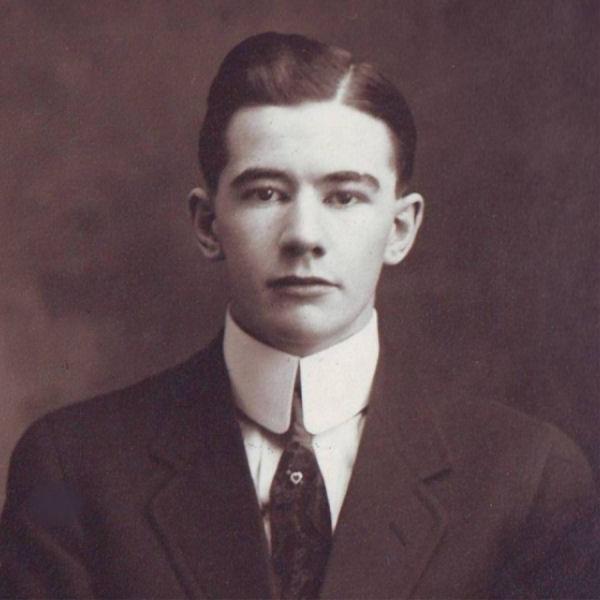 Photo of Gordon Frank Squires