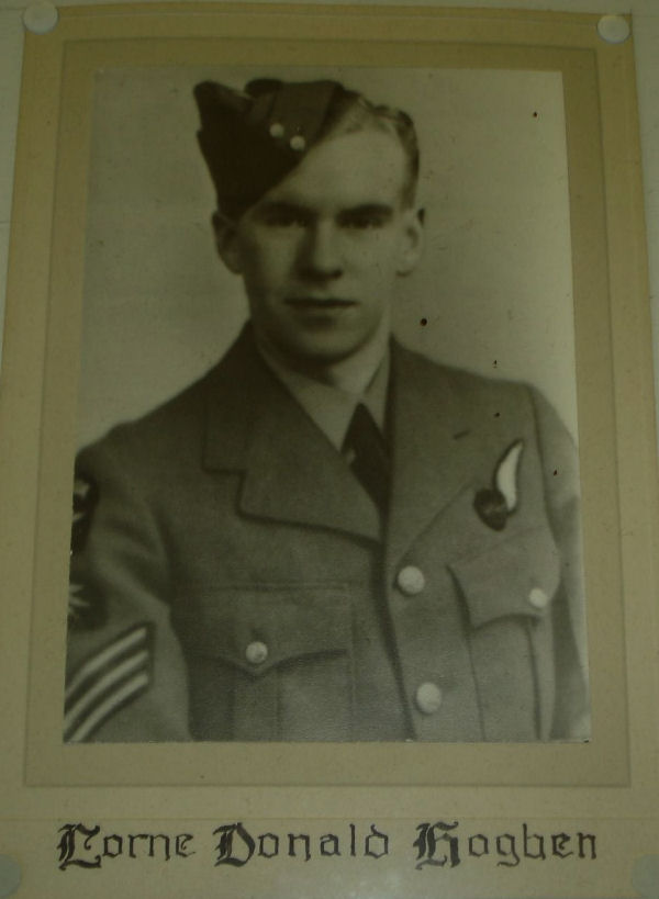 Photo of Donald Lorne Hogben