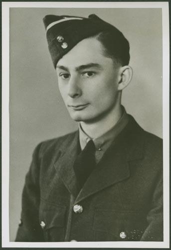 Photo of LOUIS NOEL LYNDON KERR– Warrant Officer Class II Louis Noel Lyndon Kerr courtesy McGill University archives