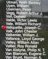 Mémorial – Sergent de section Joseph Claude Valiquette est aussi commémoré sur le Monument commémoratif de Bomber Command à Nanton, en Alberta. Photo offerte par Marg Liessens.