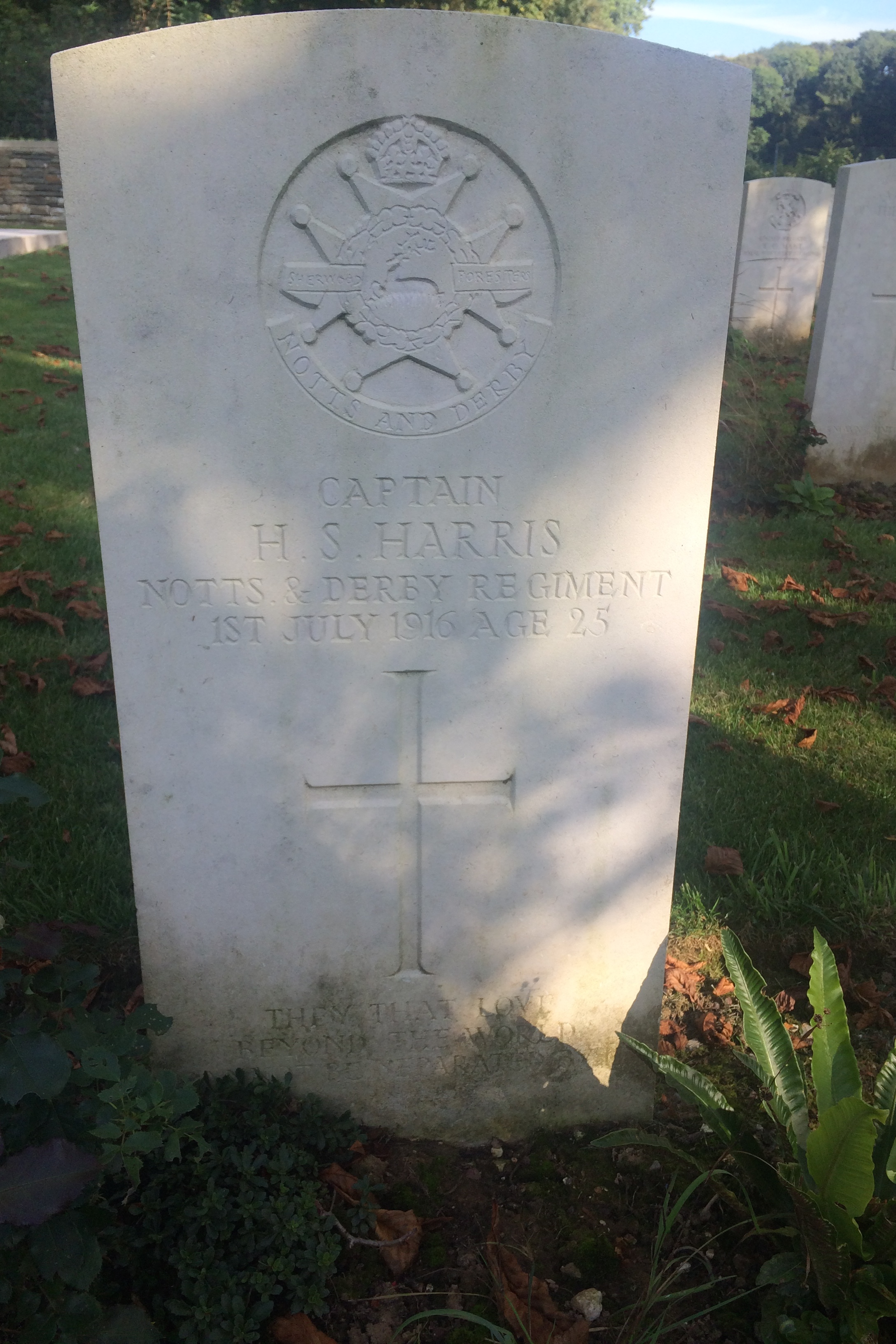 Grave marker– This is the headstone of Capt Harris in Blighty Valley CWGC, France. I am trying to trace any relative of Capt Harris as his headstone was the inspiration for my novel about the Great War. Kind regards Paul