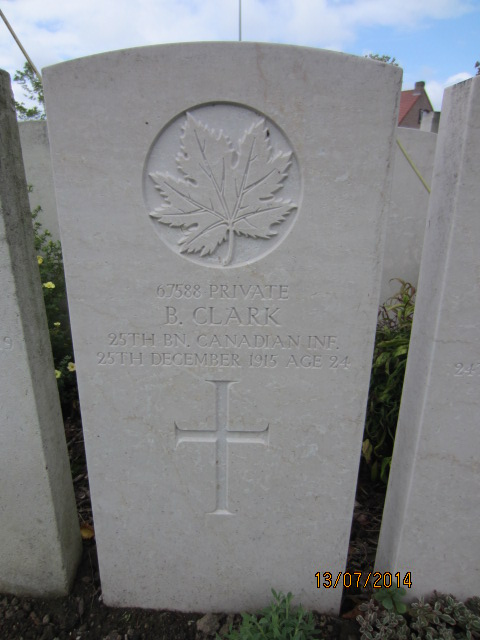 Grave Marker– Grave marker at Bailleul Communal Cemetery, France for Private Bestwick Clark. Image taken 13 July 2014 by Tom Tulloch
