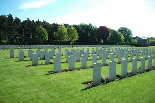 Cemetery– Rheinberg War Cemetery - May 2015