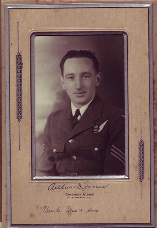Photo of Arthur Jones