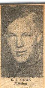 Photo de Etsel John Cook – Le caporal Cook s'est enrôlé en 1943; il a joint les rangs des QOR en 1944 avant le jour J. Membre de la compagnie Dog, il a été l'un des six carabiniers qui ont été capturés par la 12e Division blindée SS au Mesnil Patry. Lui et les autres ont été exécutés aux environs du 17 juin près de la ville de Mouen.