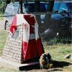 Cérémonie commemorative photo 1 – Ces photos ont été prises lors d¿une cérémonie commémorative tenue le samedi 10 juillet 2004 pour cavalier Private Sigurd Norman Huser. La cérémonie a été organisée par Kenneth Usher, directeur de la filiale de l¿Alberta du Fonds du Souvenir.