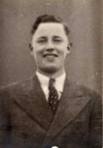 Photo of Kenneth Clayton McArthur– Born: March 25, 1925     Killed in Action: July 8, 1944