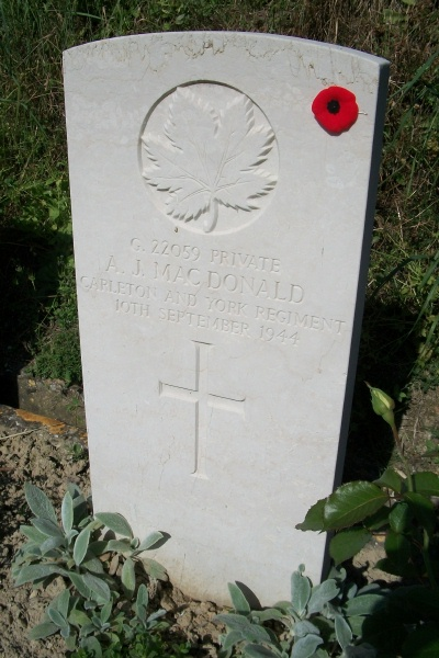 Grave Marker– Grave marker - Gradara War Cemetery - May 2013 ... Photo courtesy of Marg Liessens