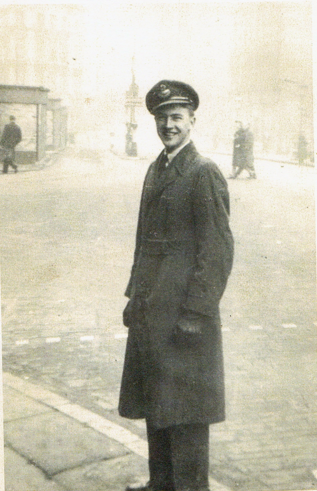 Photo of George Elliott Creswell– George Creswell on leave in London