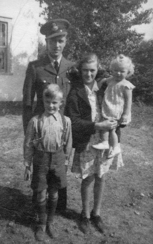 Family Photo– George Creswell with his siblings: Marilyn McGunigal (nee Creswell) on the right, holding Maidra Creswell, and Austin Creswell in front.