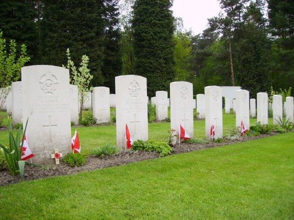 Becklingen War Cemetery