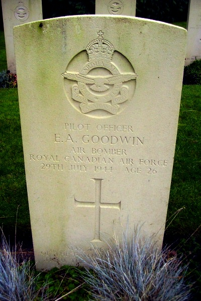 Grave marker– Becklingen War Cemetery … photo courtesy of Marg Liessens