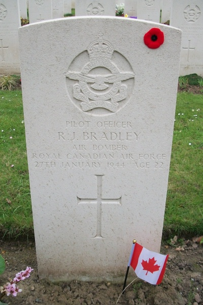 Grave Marker– Hanover War Cemetery - April 2017 ... photo courtesy of Marg Liessens