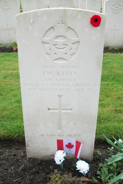 Grave marker– Becklingen War Cemetery - April 2017 … photo courtesy of Marg Liessens