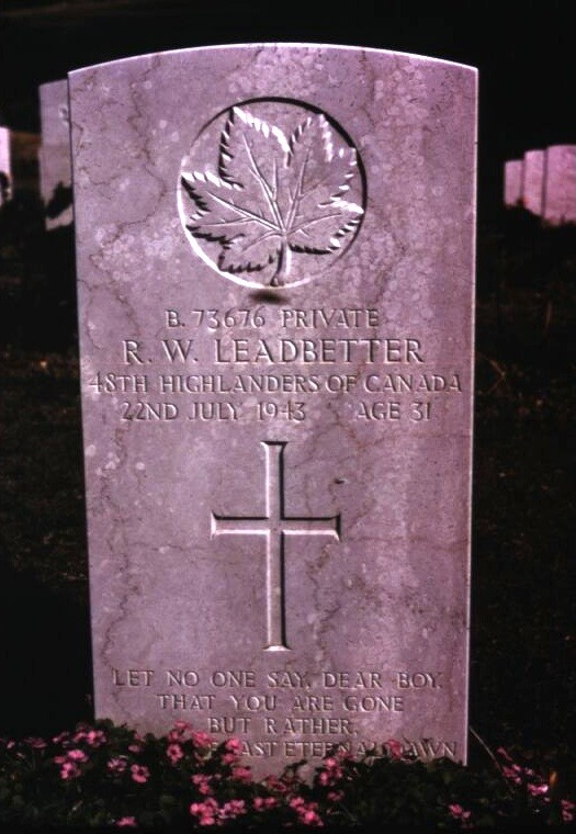 Headstone of Ray William Leadbetter