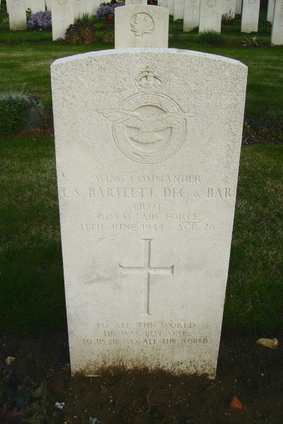Grave Marker– Calais Canadian War Cemetery … photo courtesy of Marg Liessens