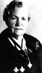 Photo de Sylvia Janet Kimmel (Mère) – Sylvia Janet Kimmel Mère de la croix d'argent de 1961.  Elle est montré avec les trois croix d'argent.