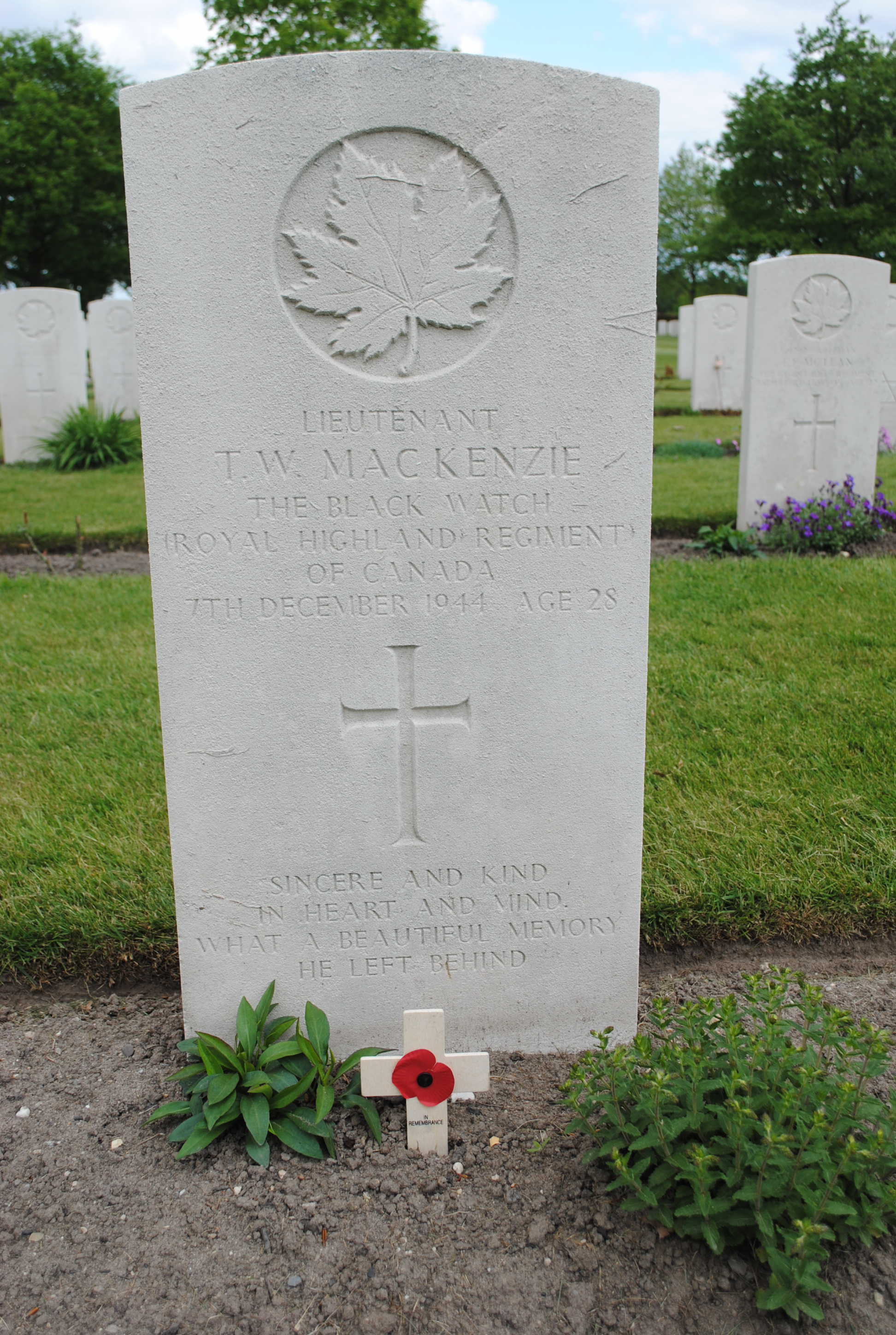 Grave marker– Groesbeek Canadian War Cemetery