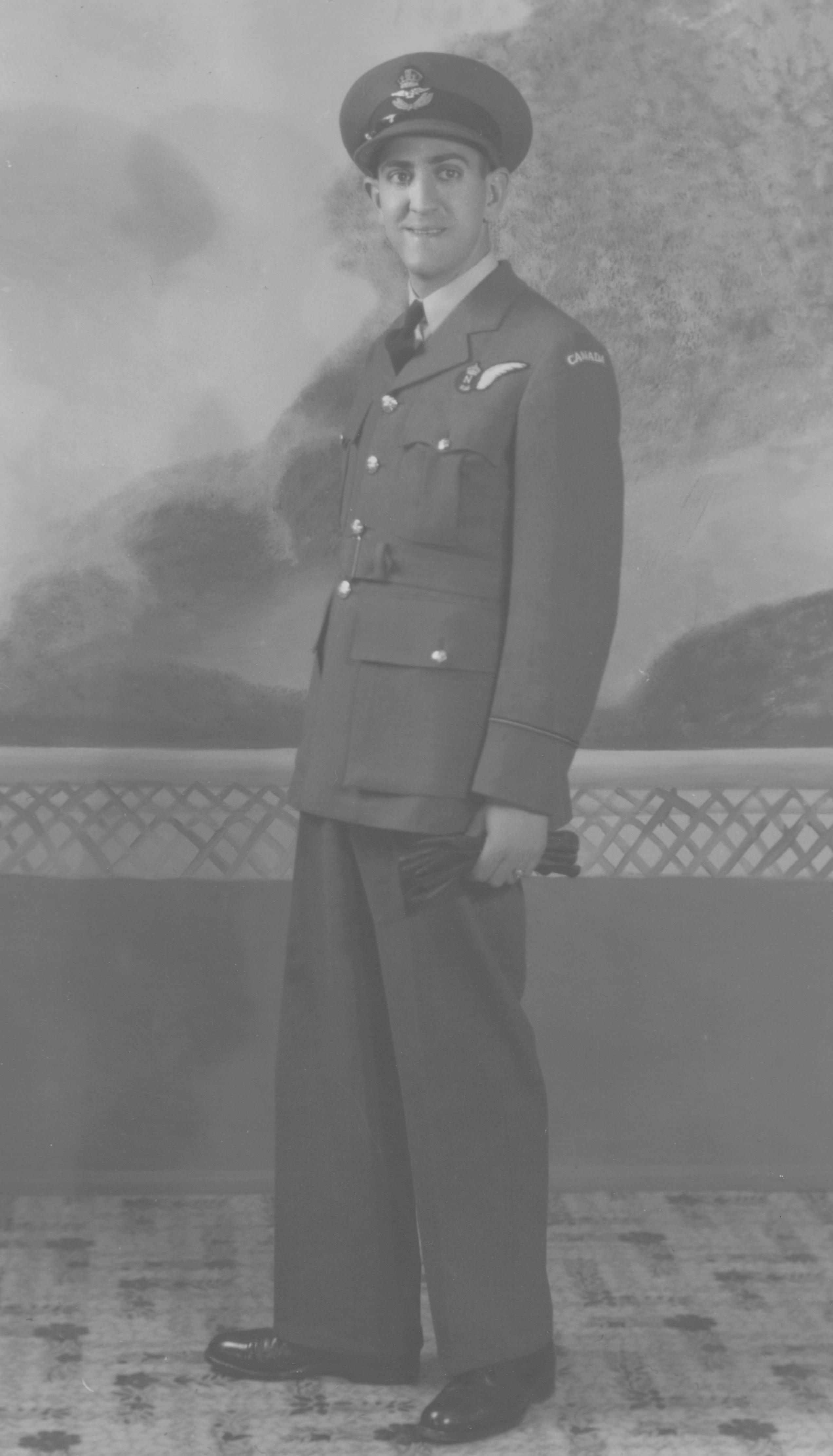 Photo of Leonard Gold