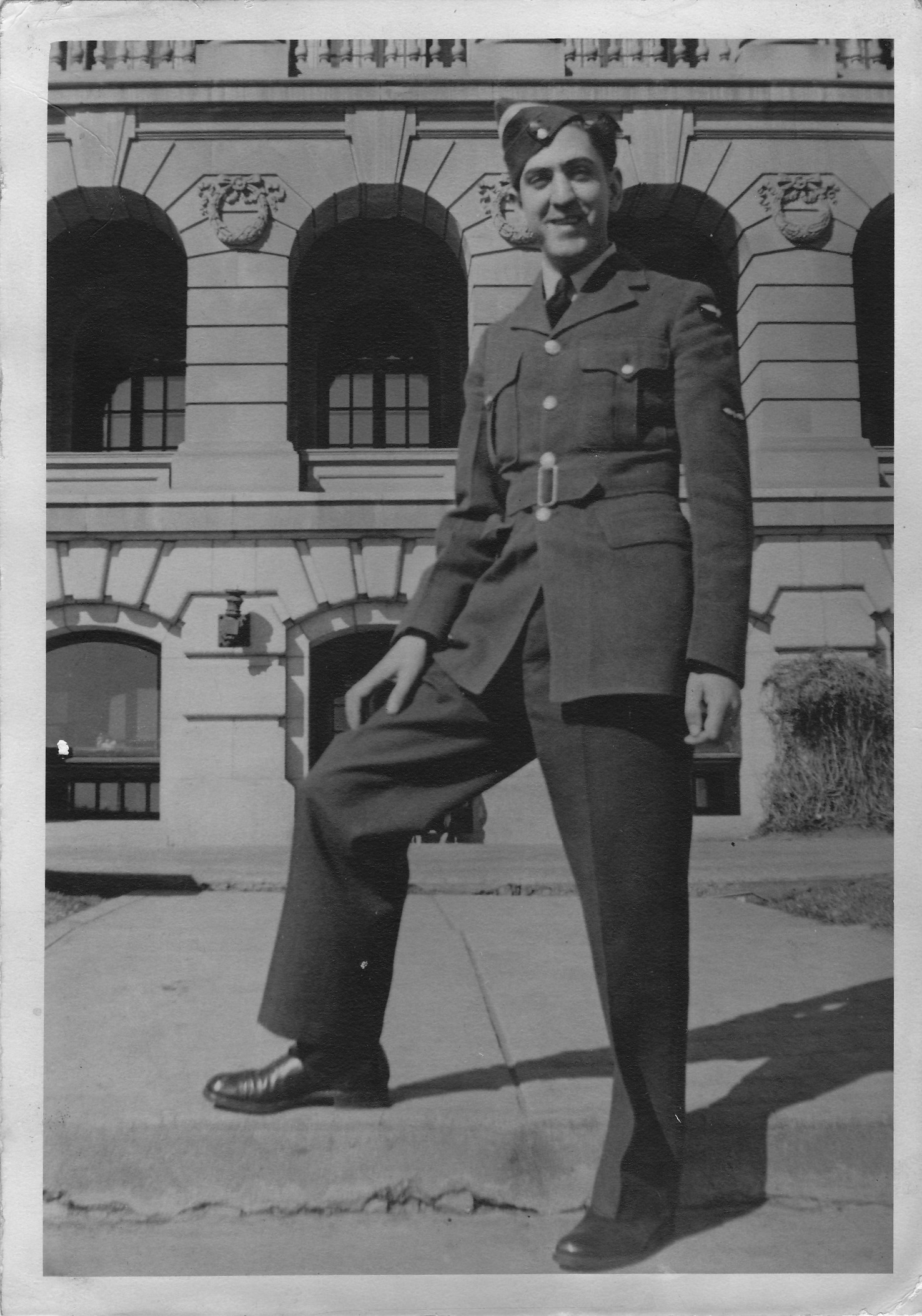 Photo of Leonard Gold– Posing for a photo on leave.