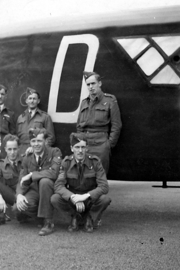 Photo 2 of Halifax Bomber crew