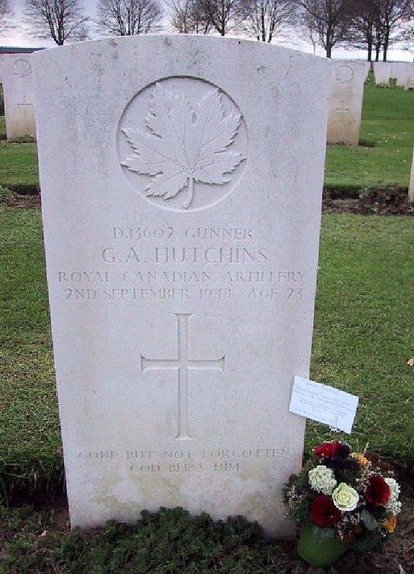 Pierre tombale de George A. Hutchins