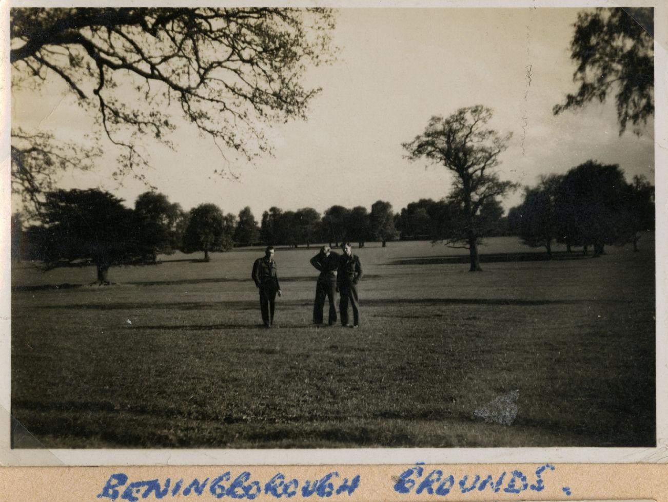 Photo de Groupe – Bob Whitson, David Scott et Harold Truscott.