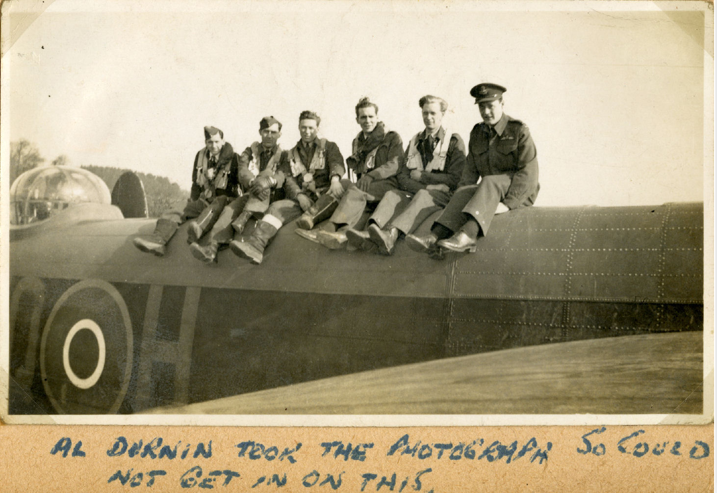 Photo de Groupe – L-R: Harold Truscott, Bob Whitson, Jack Irmie, Gordon Croucher, David Scott, Don Ryan.