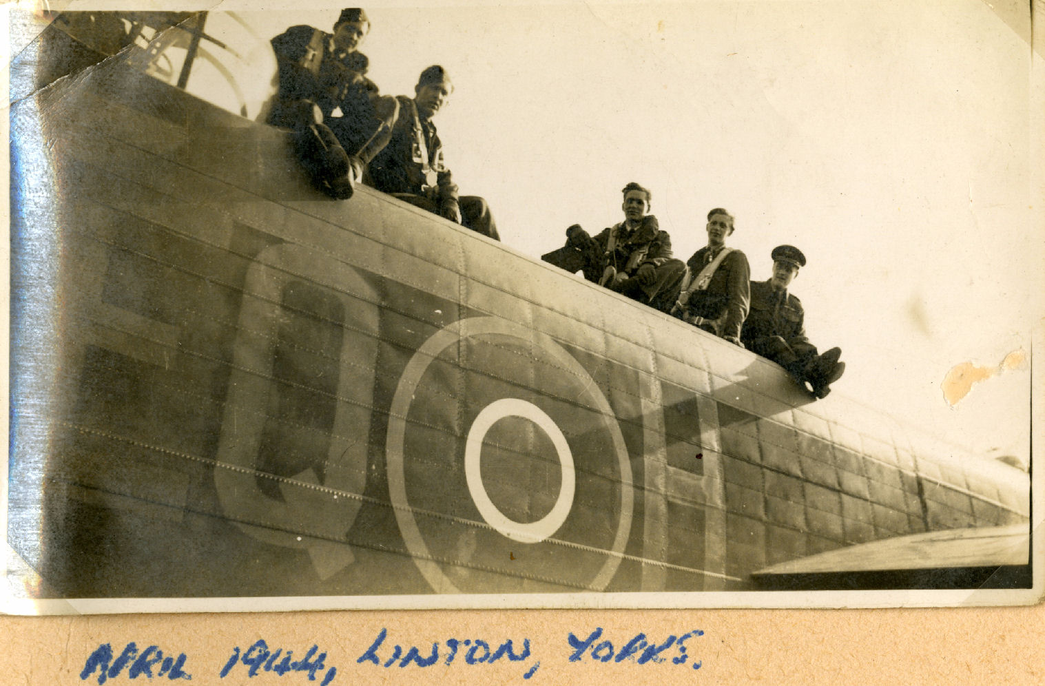 Photo de Groupe – L-R: Harold Truscott, Bob Whitson, Gordon Croucher, David Scott, Don Ryan.