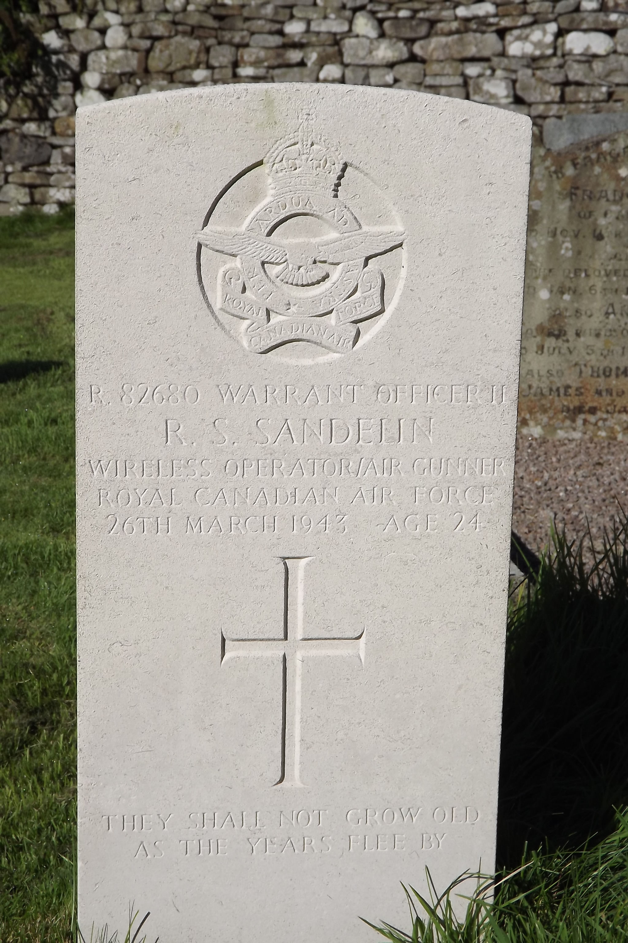Grave Marker– Grave of Robert Simeon SANDELIN, Royal Canadian Air Force Died 26/3/1943