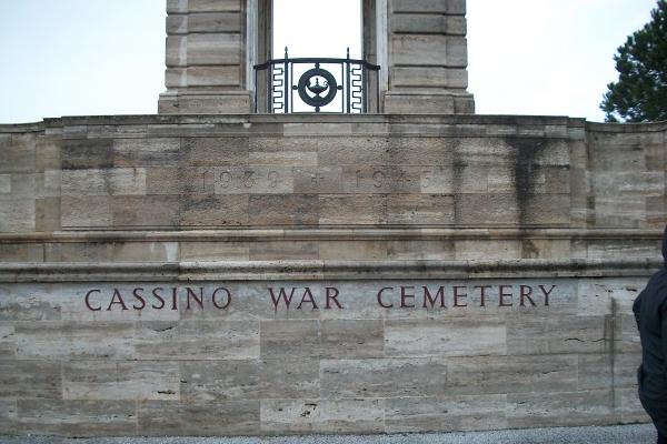 Entree – Cimetière de guerre de Cassino - Mai 2013 Photo gracieuseté de Marg Liessens