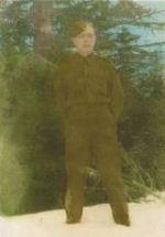 Photo de Eugene Hurshman – Voici une photo de mon grand-oncle prise le jour avant qu'il ne quitte son village de Dutch Settlement, en Nouvelle-Écosse, pour se rendre outre-mer.