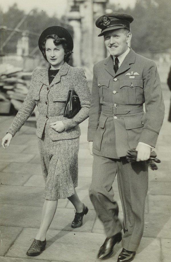 Photo of Mr. and Mrs Clare Arthur Hovemden