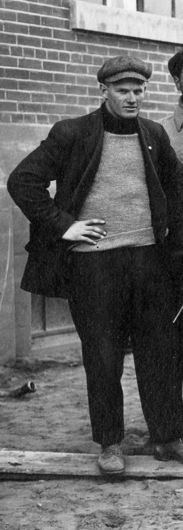 Photo of Gersham Bateman– Gersham Batement at work in Cookstown, Ontario in 1913.