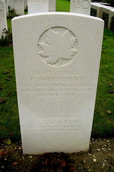 Grave Marker– Grave marker - Vis-en-Artois British Cemetery … photo courtesy of Marg Liessens
