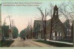 Montage – Church of the Redeemer (Anglican), rue Bloor, Toronto (Ontario). Deux plaques commémoratives de la Première Guerre mondiale sont situées dans le transept ouest, à côté des vitraux commémoratifs de guerre (1920).