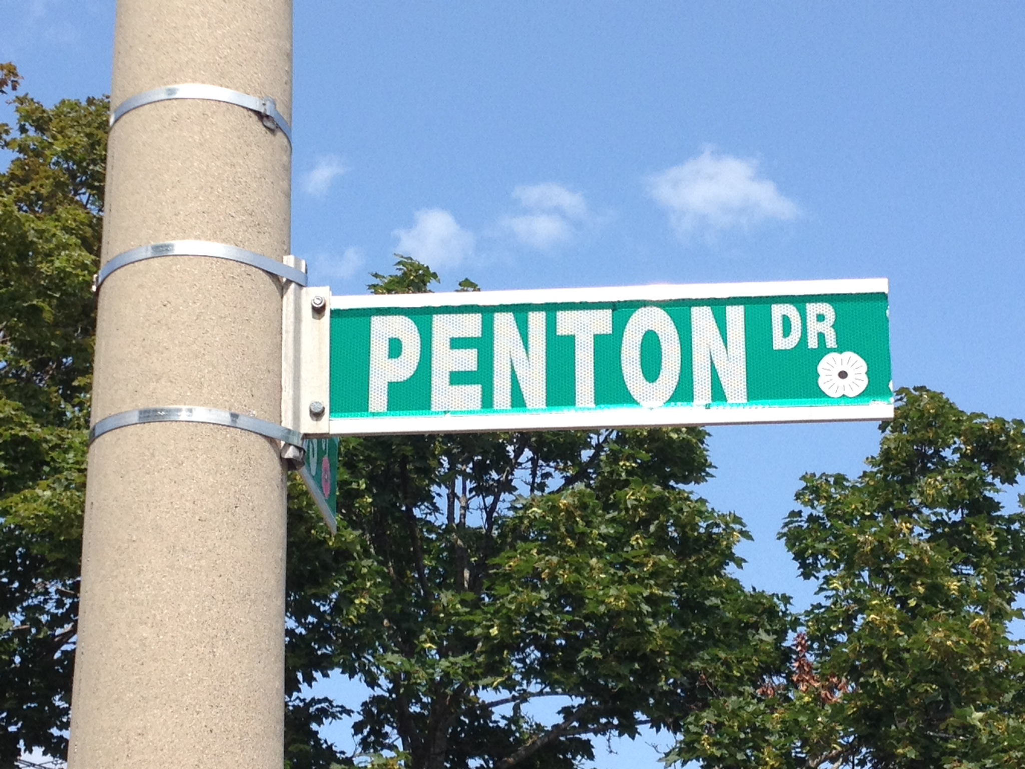 Memorial Street– Barrie street named in honour of Private Stanlet Penton with a poppy.