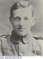 """Photo de Alexander Harris – """"Alexander vêtu de son uniforme de Royal Newfoundland Regiment lors de la Première guerre mondiale"""""""