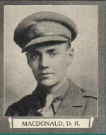 Photo de Donald Ryerson Macdonald – Extrait de « The War Book of Upper Canada College », édité par Archibald Hope Young, Toronto, 1923. Ce livre rend hommage aux anciens étudiants qui ont servi durant la Première Guerre mondiale.