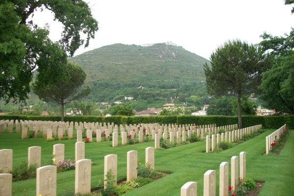 Cimetière de guerre de Cassino – May 2013 Photo courtesy of Marg Liessens
