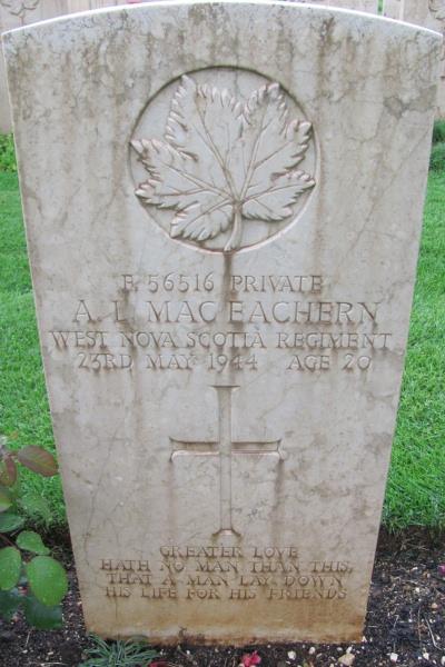 Pierre tombale – Cimetière de guerre de Cassino - Mai 2013